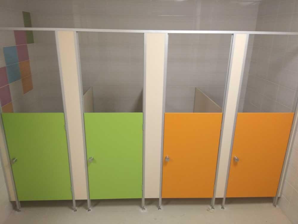 Сантехнические перегородки для детского сада