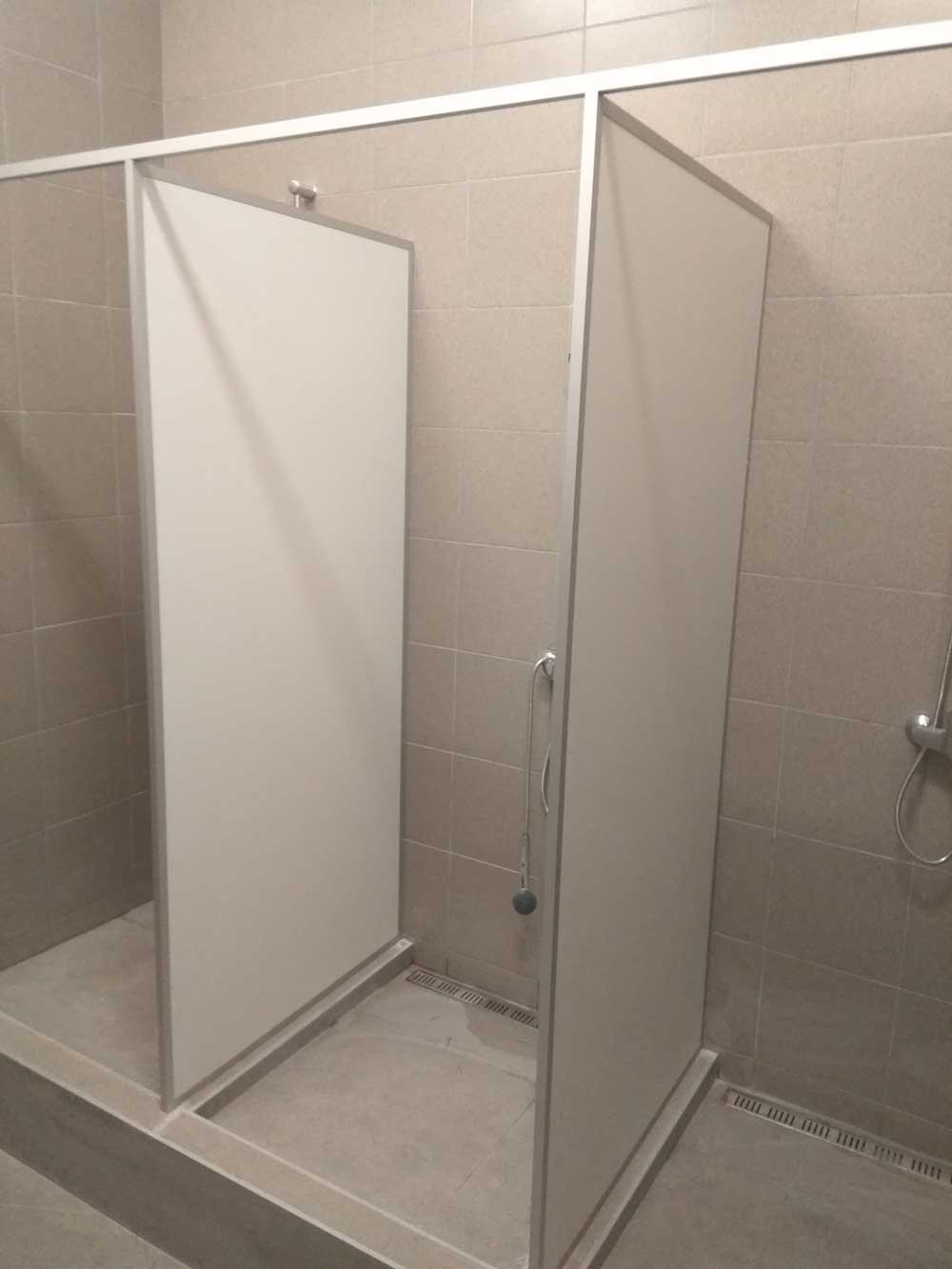 Сантехнические перегородки из ПВХ для туалетов